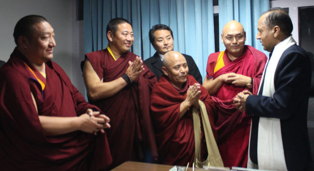 Tibetan Parliamentary Speaker along with his legislative members meet Chief Minister of Himachal Pradesh