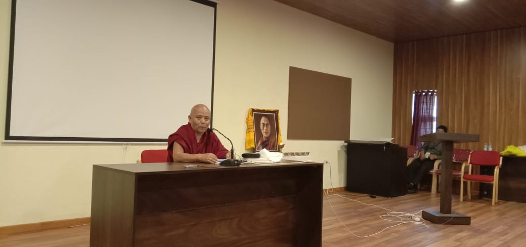 Deputy Speaker Acharya Yeshi Phuntsok Addresses the Preliminary Seminar of Tibetan College Students' Conference