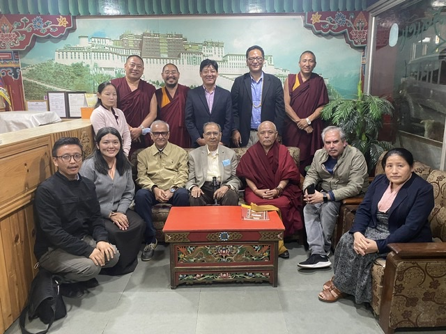 Tibetan Parliament-in-Exile honors delegation of Foundation for Non-violent Alternatives (FNVA)