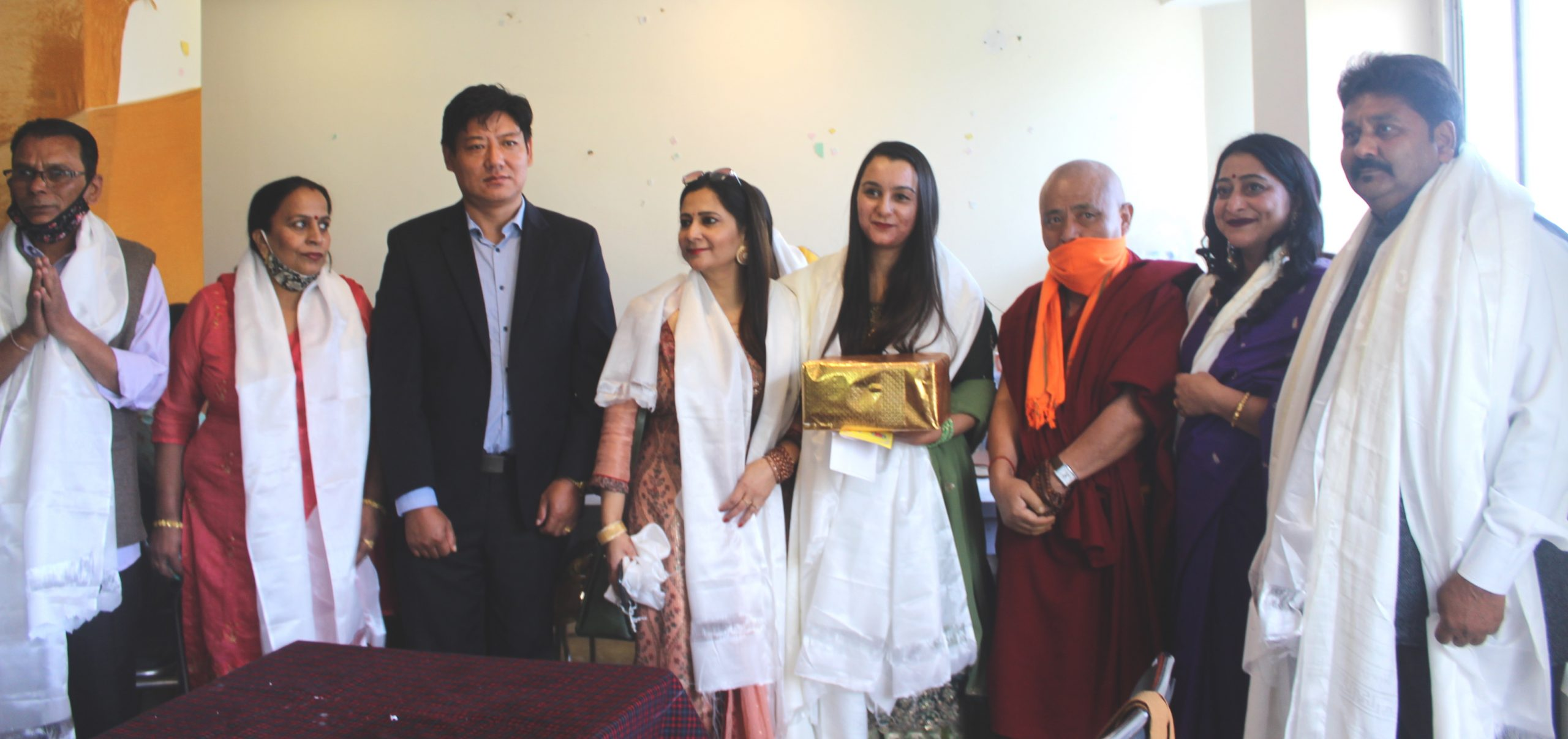 Deputy Speaker along with Parliamentarian meets Tibet supporters