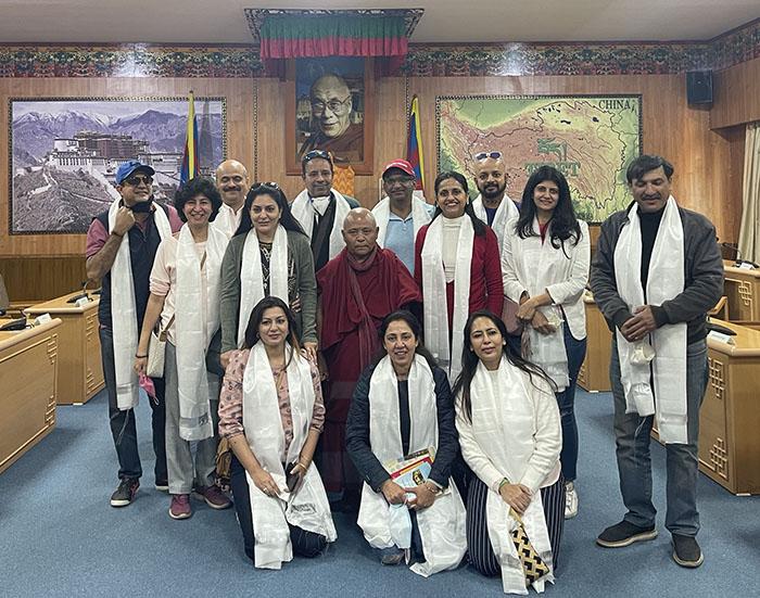 Former Indian cricketer Murali Kartik visits Tibetan Parliament-in-Exile
